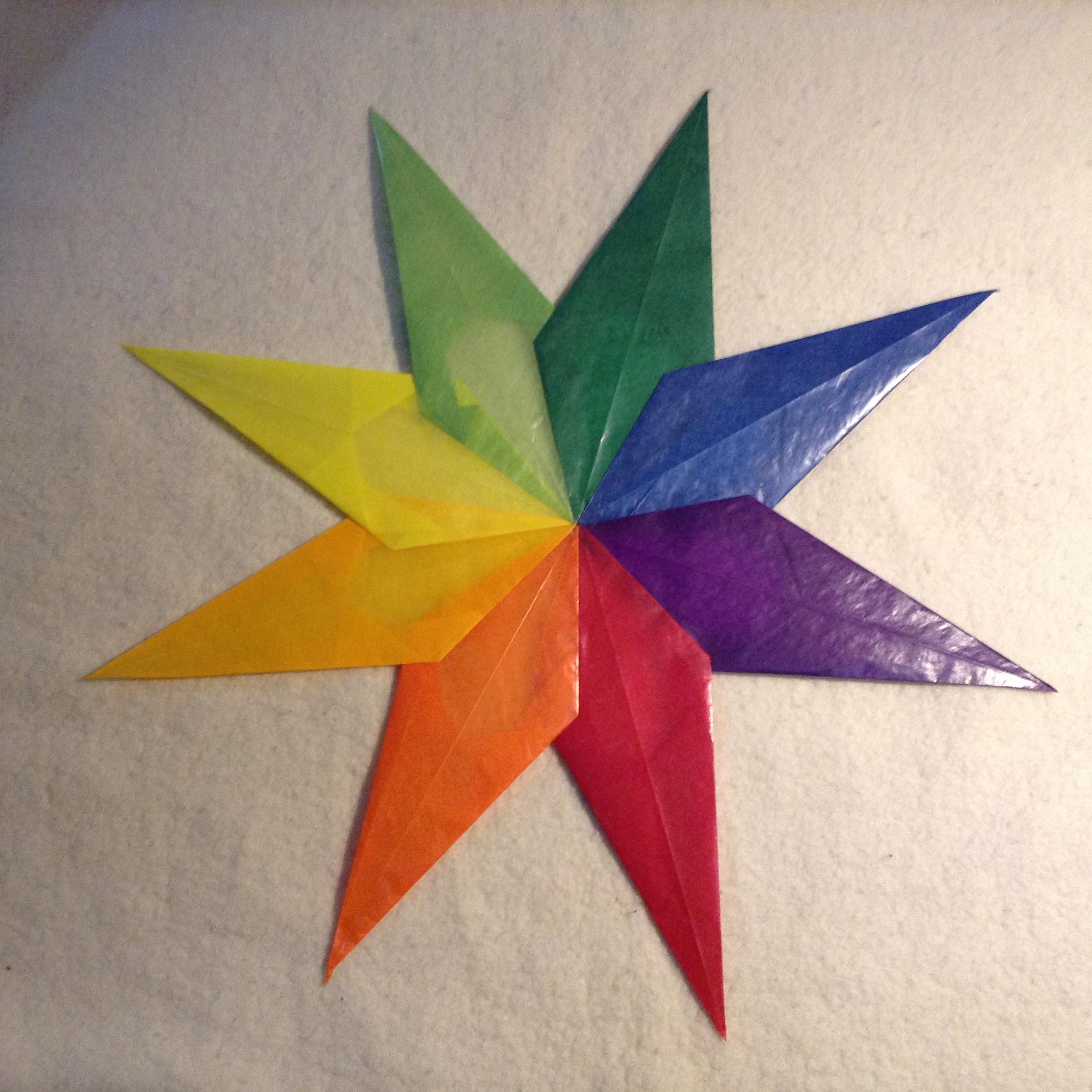 Dekorace na okna-hvezda barevna